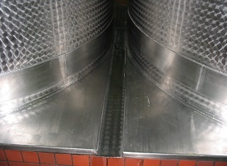 The chemical composition of stainless steel