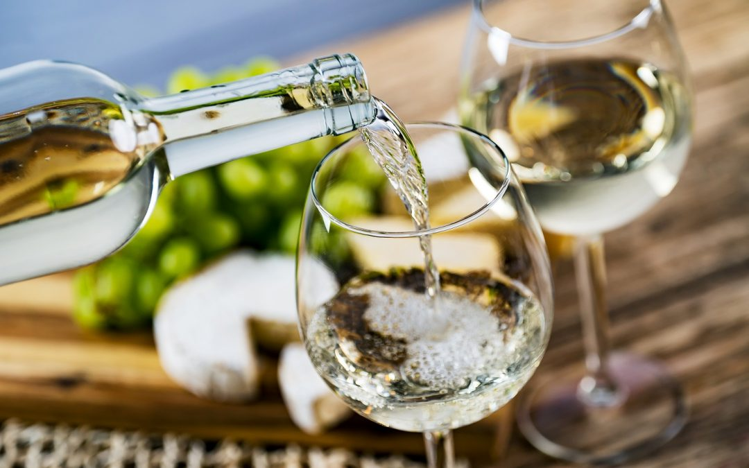 Can yeast selection and fermentation temperature reduce the haze-forming proteins in Sauvignon blanc?